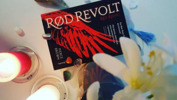 status-quo-rød-revolt